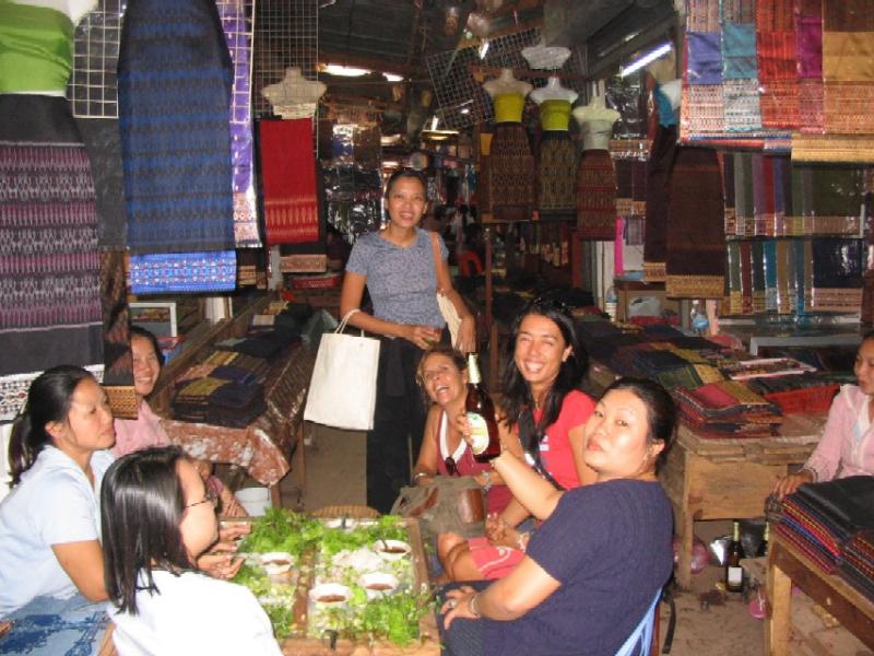 4.vientiane market